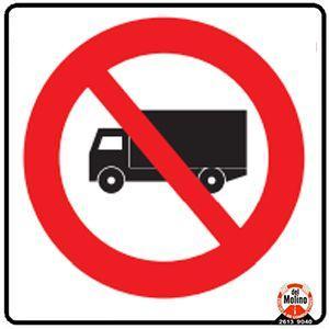 prohibido vehículos de carga